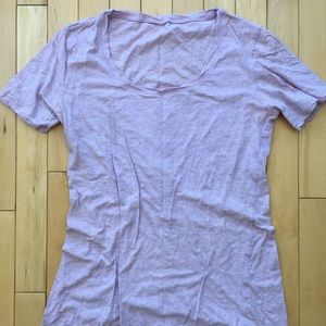 Super soft lululemon T-shirt, W's medium